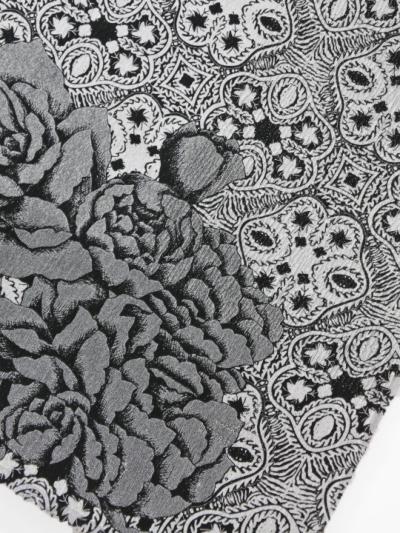 帯揚げ 半面銀通し フラワーレリーフに大バラ(白×黒)